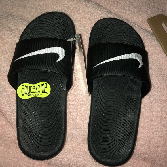 81733e31564 NWT KIDS NIKE SLIDES
